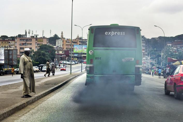 csm_Bus-pollution-Abidjan-septembre-2016-Oryx-Lynx-trafigura-Vitol-public-Eye-diesel-sale-Issouf-Sanogo-AFP_a8a8f580f3