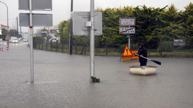 des-riverains-excedes-par-les-inondations-repetition